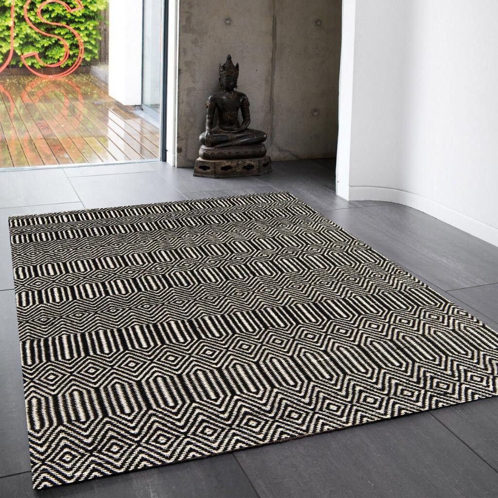 Brand New Black And White Geometric Rug Sloan 160x230cm