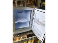 Mini fridge cooler/ warmer
