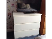 White chest of drawers ex. Gillies