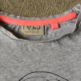 2 x pretty girls t-shirts