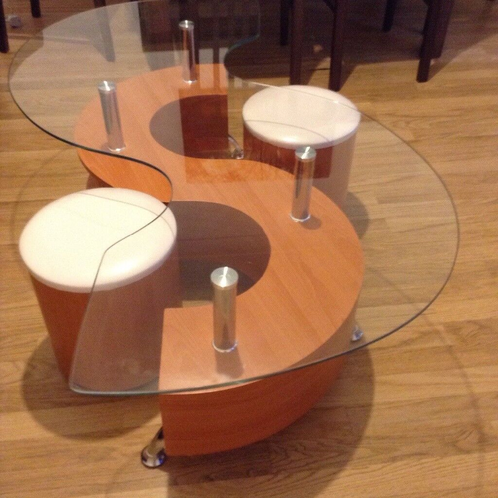 S Shape Curve Glass Table With 2 Stools Faux Leather Modern Wave Design