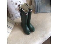Hunter wellies size 6 very good condition