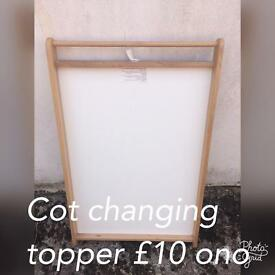 Cot changing topper