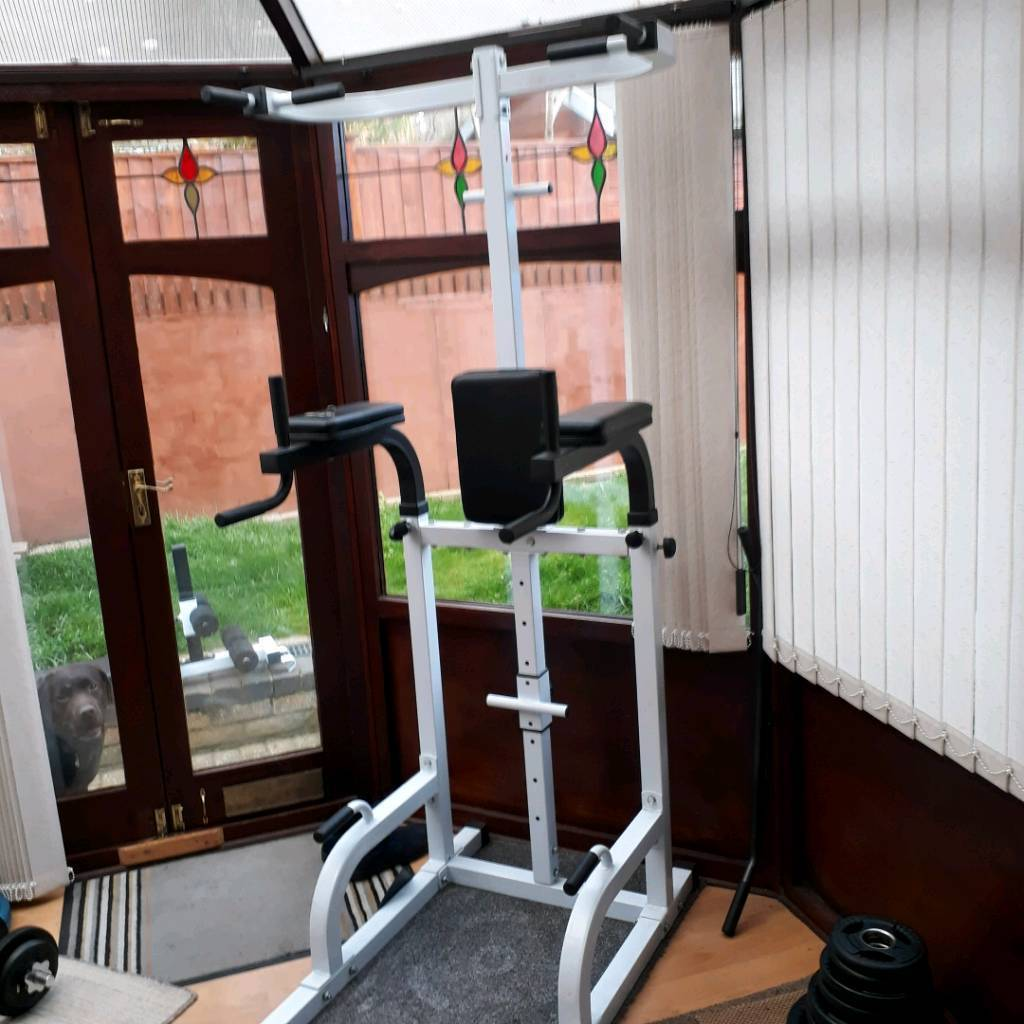 Dip rack station pull ups with sit up bench