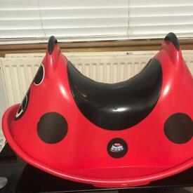 Rocker hardly used from smoke&pet free home