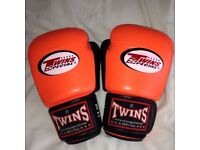 Real Twins Special Muay Thai leather Boxing Gloves 14oz like new