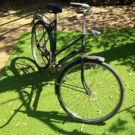 Classic Dutch Lady's Bike Amsterdam Locomotief, small/medium