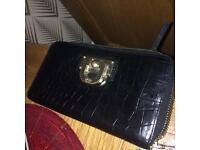 DKNY women purse