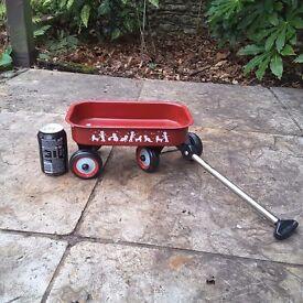Kids pull cart wagon