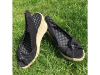 New wedge sandal size 5