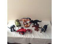 Mixed dinosaur toys