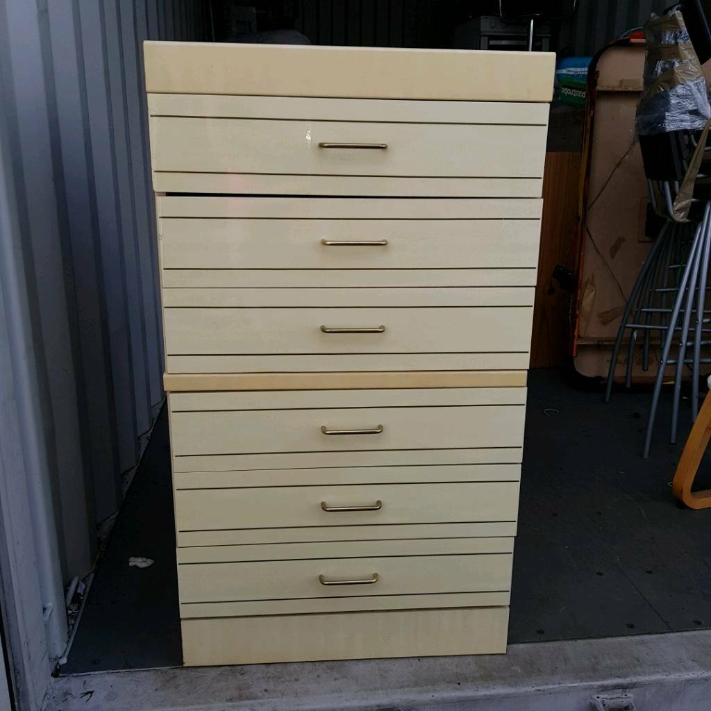 6 drawers set . Free delivery