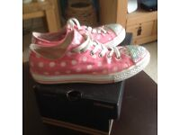 Ladies converse trainers size 4