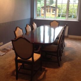 Large Mahogany dining table & 6 Chairs