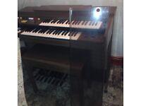 Electronic Yamaha organ