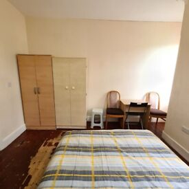 Modern Double Room to Rent in Duckett Road, Manor House N4. Couple Accepted.
