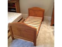 Winnie the Pooh cot bed in Antique