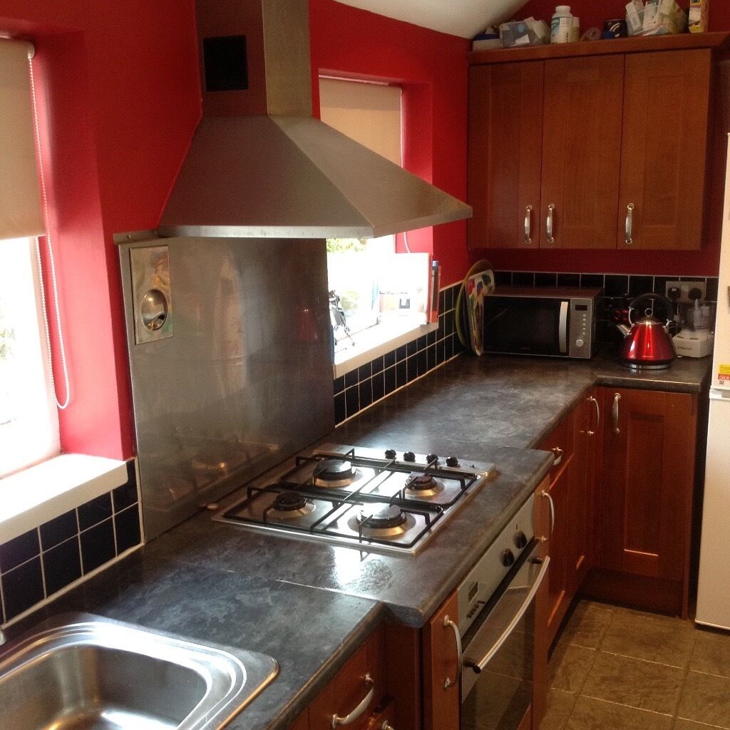 Kitchen Island With Sink And Hob: Kitchen Cupboards, Oven Extractor, Hob And Integrated Dishwasher, Sink And Taps.