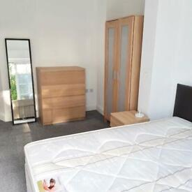Rent Double Room Ensuite close to Lower Sydenham & Forest Hill Stations