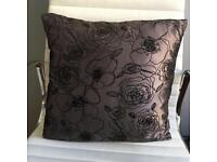 LOVELY SATIN LOOK CUSHIONS 2 AVAILABLE BEDROOM LOUNGE DINING ROOM THROW SOFA SOFT ACCESSORIES