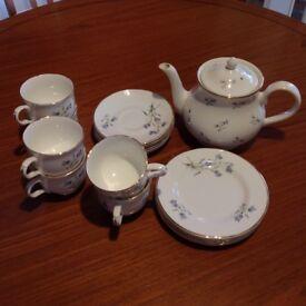 """Vintage Sadler """"Wellington (Hare Bells)"""" fine bone china tea service in superb condition"""