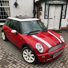 Mini Cooper Red 1.6L Panoramic Roof £1,600 ono