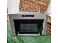 Microwave and extractor