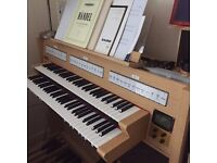 Roland C-330 classic digital organ LIKE NEW
