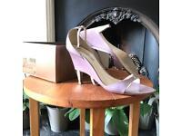 Purple varnish sandals