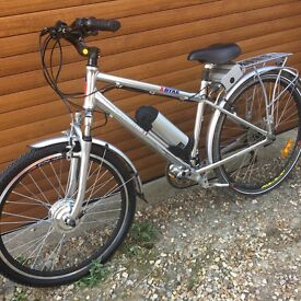 36V 10.8A ALUMINIUM BIKE FULL SIZE WITH NEW BATTERY, CHARGER AND WHEEL