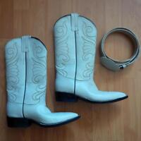 Ladies Cowboy Boots with Matching Belt!!