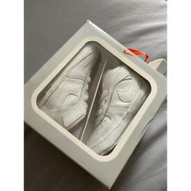 Nike airforce 1 crib