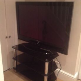 42inch Samsung tv and black and chrome to stand £150