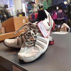 Nike Shox Sneakers 8.5 White / Red SKU:CC7BNV