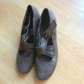 Tamaris brown ladies shoes