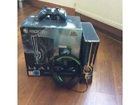 HALO LIMITED EDITION Xbox 360 (320GB),HALO CONTROLLER,GIOTECK HEADPHONES AND MIC EXCELLENTCONDITION
