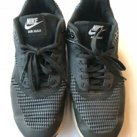 Nike Air Max - UK Women Size 6