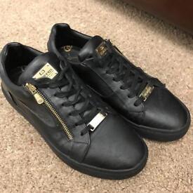 Original gangsta shoes