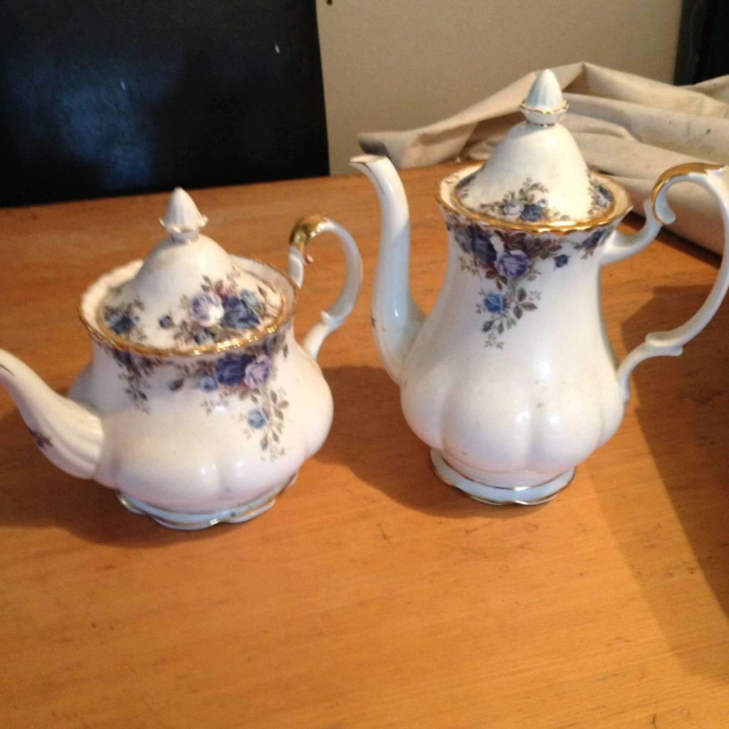 Royal Albert tea pot and coffee pot