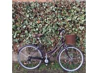 Dawes Duchess Vintage Style Ladies Town Bike with Leather Detail and a Basket, Great Condition.
