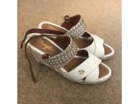 Wrangler Wedge Heels size 5 - great shoes!! Perfect for summer!!
