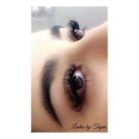 Russian Volume and Individual Eyelash Extensions