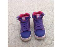 Girls size 11 purple baseball boots - Osaga make