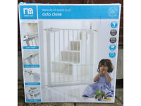Mothercare Pressure Fit Safety Gate - auto close (in original box)