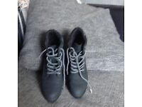 Ladies size 4 ankle boots