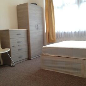 Specious and bright double room in Tottenham Hale N17. All bills are included.