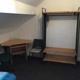 LARGE ROOMS FOR RENT,BRADFORD 7