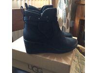 Genuine black waterproof ugg boots(pick up is Dover)
