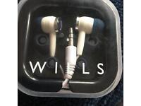 Jack will earphones