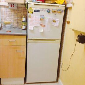 BEKO Fridge Freezer FN 244 W